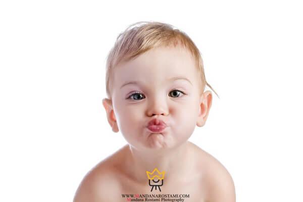 بوسه کودک