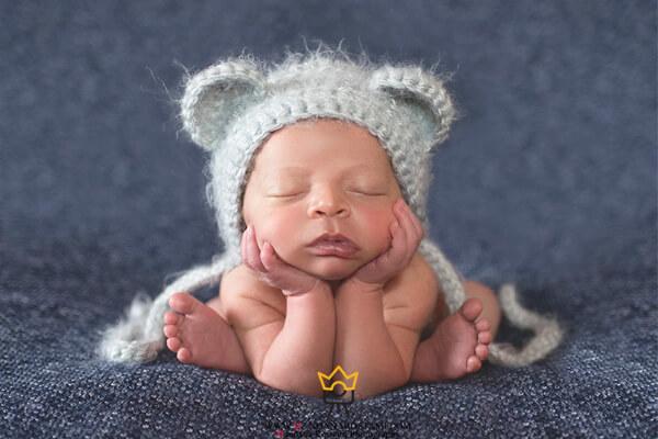 ژست قورباغه کودک و نوزاد