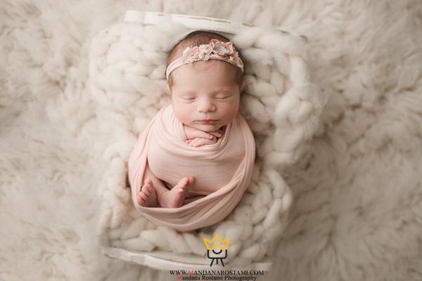 ژست قنداق نوزاد