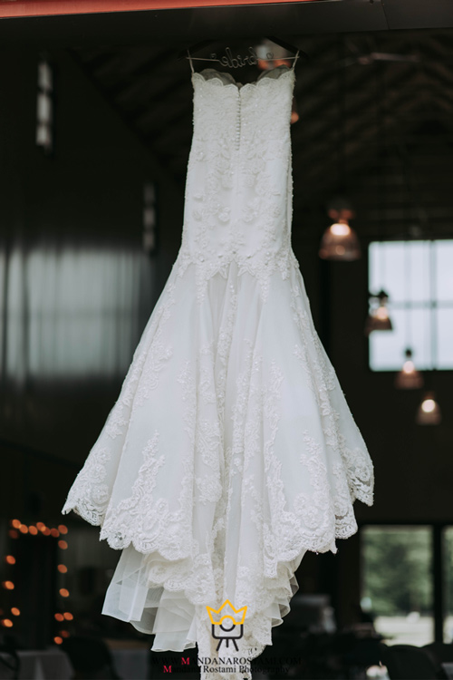 گرفتن عکس از لباس رؤیایی عروس
