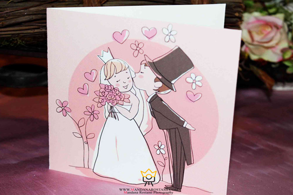عکس گرفتن از کارت عروسی