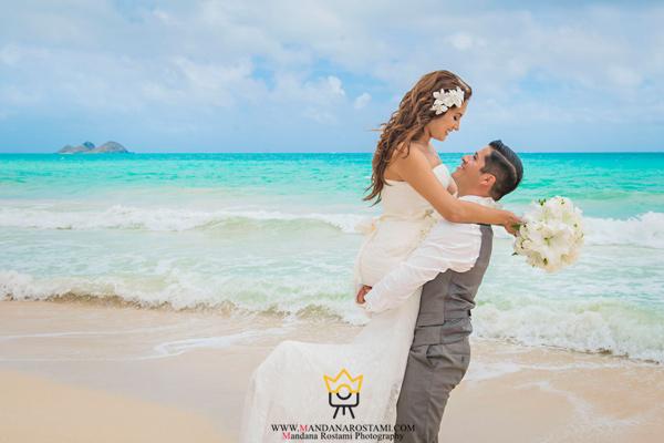 عکاسی عروسی کنار ساحل دریا