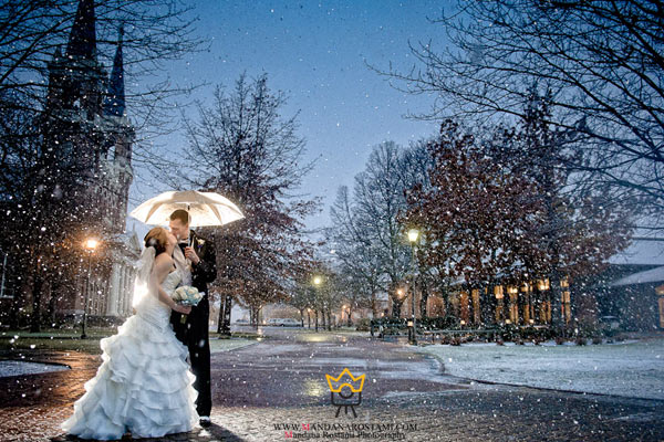 ژست بارش برف عروس و داماد