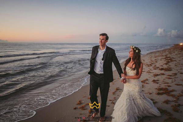 عروس و داماد کنار ساحل