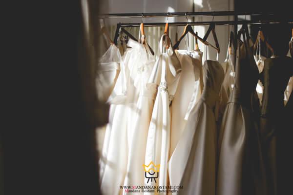 چند نوع لباس به همراه داشته باشید