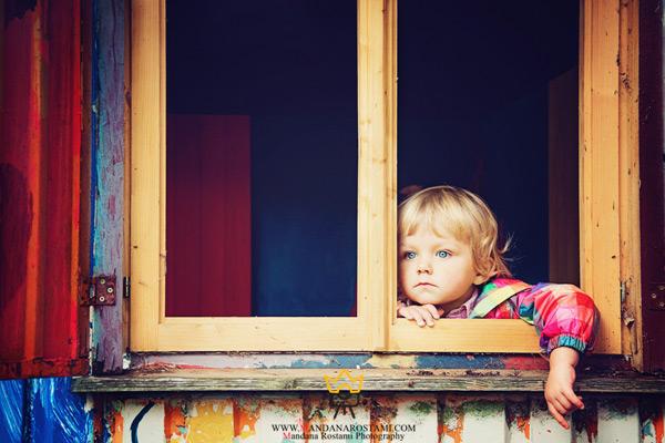 خدمات آتلیه عکاسی کودک ماندانا رستمی