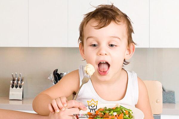 عکس کودک 2 ساله