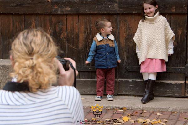 گرفتن عکس خلاقانه از کودک در فضای باز